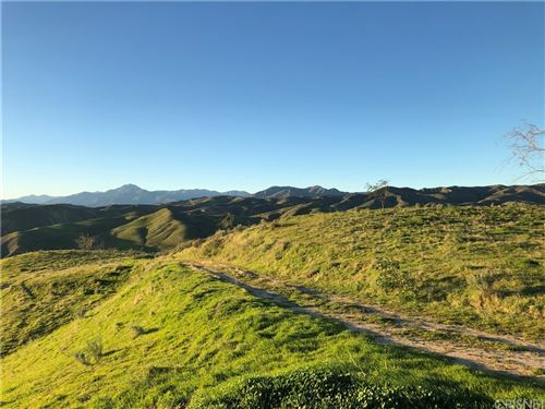 Photo of 0 Gilmour Road, Castaic, CA 91355 (MLS # SR21061995)