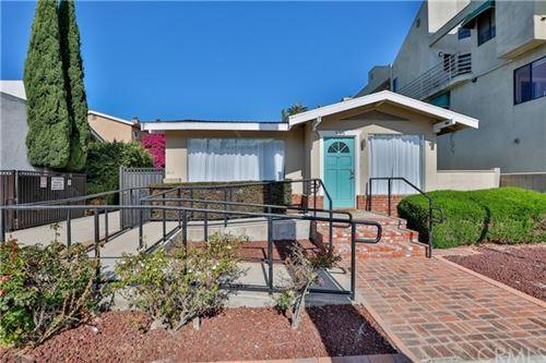 Photo of 335 Redondo Avenue, Long Beach, CA 90814 (MLS # PW21125996)