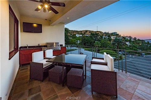 Photo of 8835 Evanview Drive, Los Angeles, CA 90069 (MLS # SR19285996)