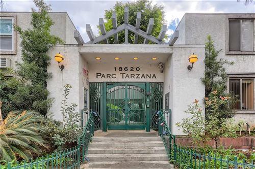 Photo of 18620 Hatteras Street #284, Tarzana, CA 91356 (MLS # SR21222997)