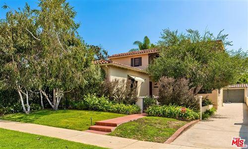 Photo of 10490 Wellworth Avenue, Los Angeles, CA 90024 (MLS # 21777998)