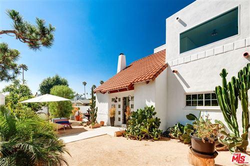 Photo of 663 Oxford Avenue, Venice, CA 90291 (MLS # 21789998)