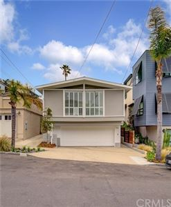 Photo of 729 12th Street, Manhattan Beach, CA 90266 (MLS # SB19138998)