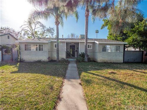 Photo of 15918 San Fernando Mission Boulevard, Granada Hills, CA 91344 (MLS # SR21005998)
