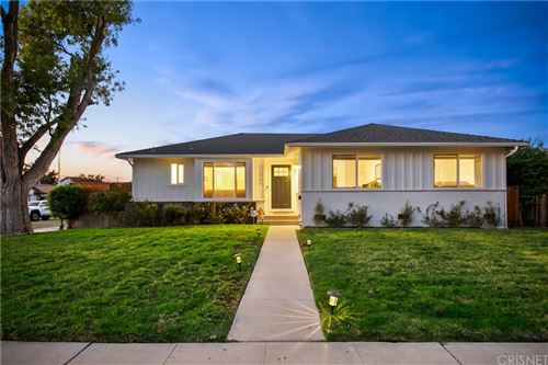 Photo of 23055 Gilmore Street, West Hills, CA 91307 (MLS # SR21231998)
