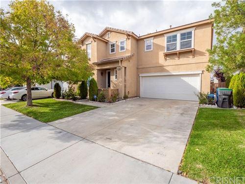 Photo of 17633 Gladesworth Lane, Canyon Country, CA 91387 (MLS # SR20236999)