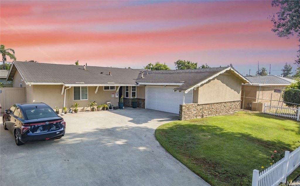 Photo for 2905 W Lingan Lane, Santa Ana, CA 92704 (MLS # OC21202999)
