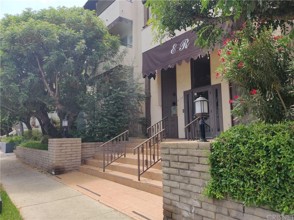 Photo of 5353 Yarmouth Avenue #107, Encino, CA 91316 (MLS # SR21160999)