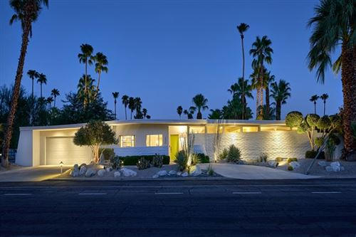 Photo of 590 N Avenida Caballeros, Palm Springs, CA 92262 (MLS # 219049979DA)