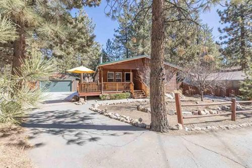 Photo of 964 Tinkerbell Avenue, Big Bear, CA 92314 (MLS # 219058179PS)