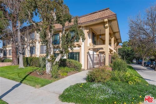 Photo of 5404 QUAKERTOWN Avenue #7, Woodland Hills, CA 91364 (MLS # 20556000)