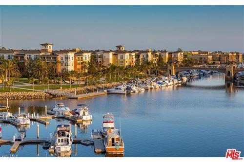 Photo of 1403 WINDSHORE Way, Oxnard, CA 93035 (MLS # 220002002)