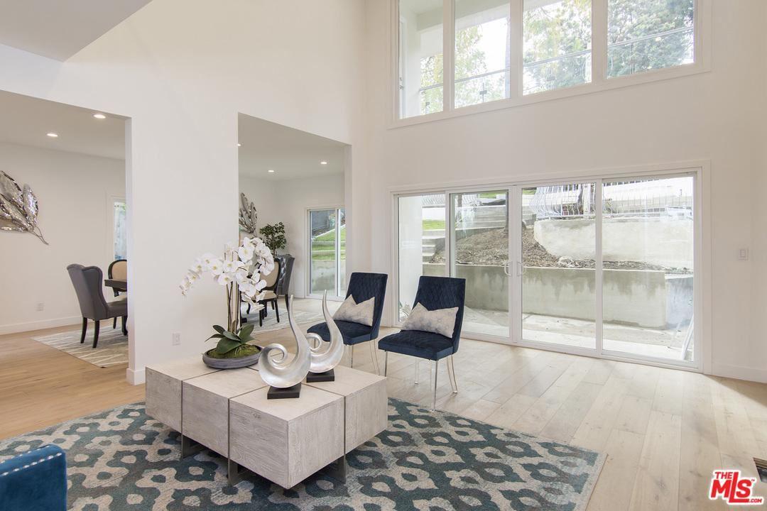 Photo of 11268 SUNSHINE Terrace, Studio City, CA 91604 (MLS # 20555006)