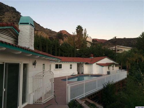 Photo of 1107 VIA ALTA, Burbank, CA 91501 (MLS # 320000007)
