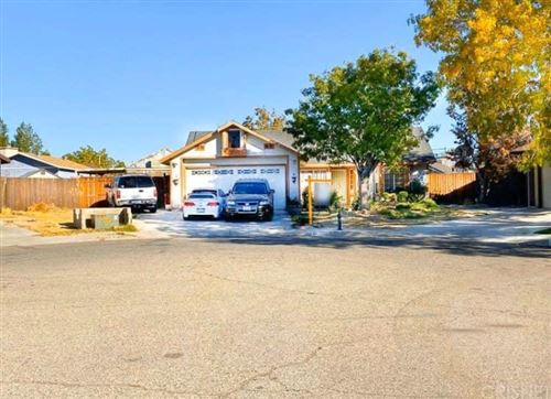 Photo of 700 TRIXIS Avenue, Lancaster, CA 93534 (MLS # SR19275008)