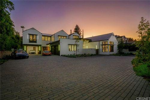 Photo of 14226 GREENLEAF Street, Sherman Oaks, CA 91423 (MLS # SR19280011)