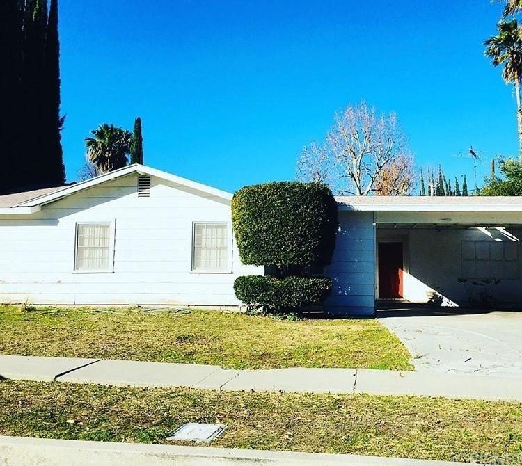 Photo for 6165 DEBS Avenue, Woodland Hills, CA 91367 (MLS # SR18031012)