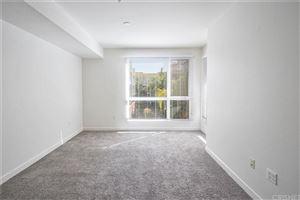 Tiny photo for 21301 ERWIN Street #426, Woodland Hills, CA 91367 (MLS # SR19235014)