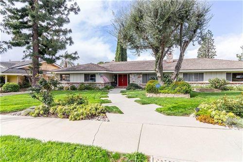 Photo of 10215 WYSTONE Avenue, Northridge, CA 91324 (MLS # SR20063015)