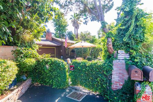 Photo of 13244 CUMPSTON Street, Sherman Oaks, CA 91401 (MLS # 19526016)