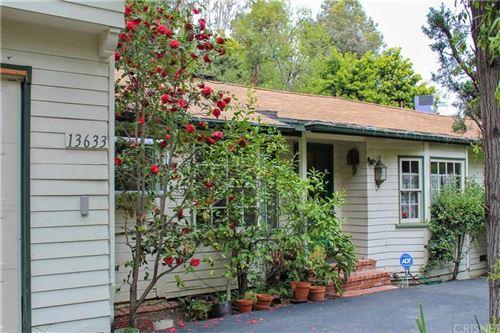 Photo of 13633 OAK CANYON Avenue, Sherman Oaks, CA 91423 (MLS # SR20062019)