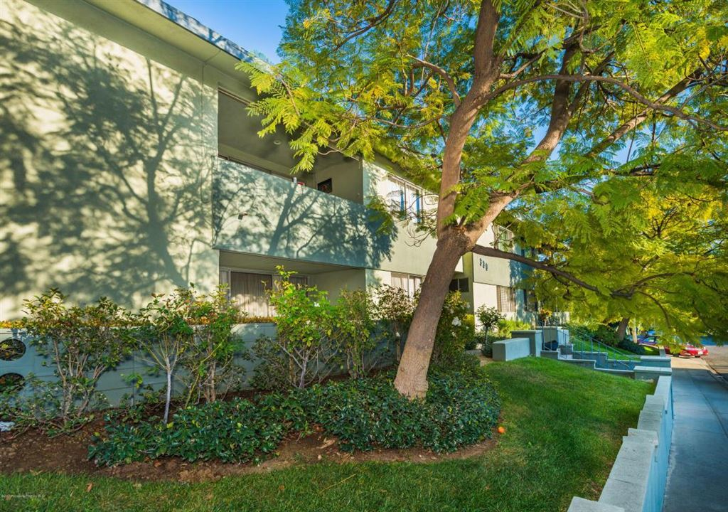 Photo for 330 RAYMONDALE Drive #1, South Pasadena, CA 91030 (MLS # 818001023)