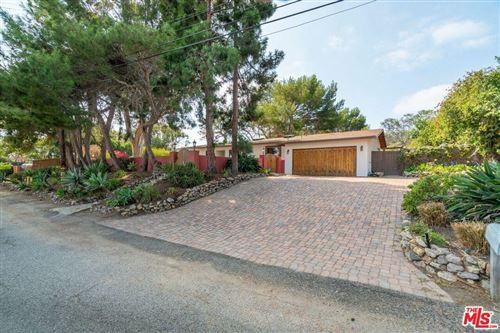 Photo of 6579 WANDERMERE Road, Malibu, CA 90265 (MLS # 19525024)