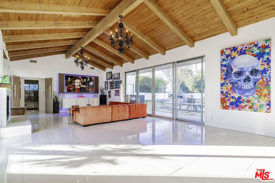 Photo of 7405 PYRAMID Place, Los Angeles , CA 90046 (MLS # 20542024)
