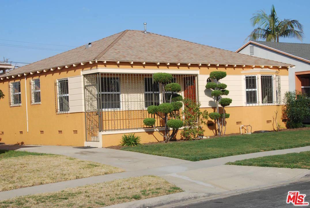 Photo of 11653 RUTHELEN Avenue, Los Angeles , CA 90047 (MLS # 20556026)
