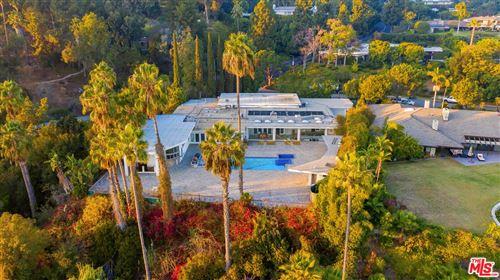 Photo of 430 ROBERT Lane, Beverly Hills, CA 90210 (MLS # 19529028)