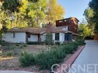 Photo of 18806 WELLS Drive, Tarzana, CA 91356 (MLS # SR18293028)