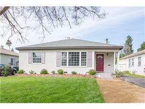 Photo of 6465 BLEWETT Avenue, Lake Balboa, CA 91406 (MLS # SR18079031)