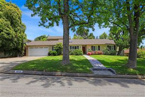 Photo of 4810 FAIRLAWN Drive, La Canada Flintridge, CA 91011 (MLS # 819002035)