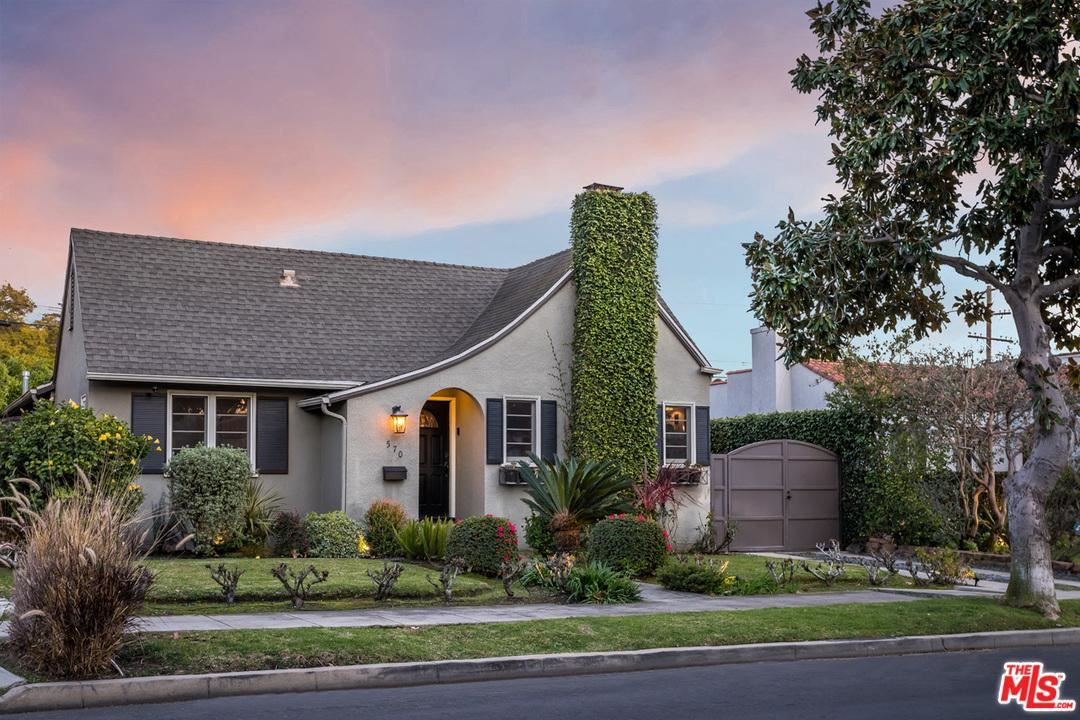 Photo of 570 North IRVING, Los Angeles , CA 90004 (MLS # 20551038)