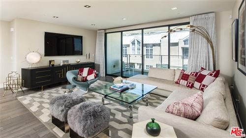 Photo of 432 North OAKHURST Drive #404, Beverly Hills, CA 90210 (MLS # 19509042)
