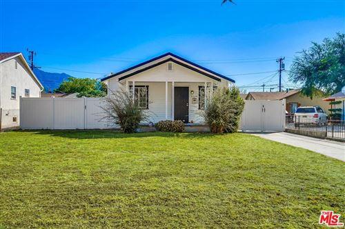 Photo of 2134 EL SERENO Avenue, Altadena, CA 91001 (MLS # 19520042)