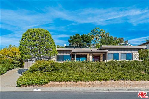 Photo of 1339 LUNA VISTA, Pacific Palisades, CA 90272 (MLS # 19535042)
