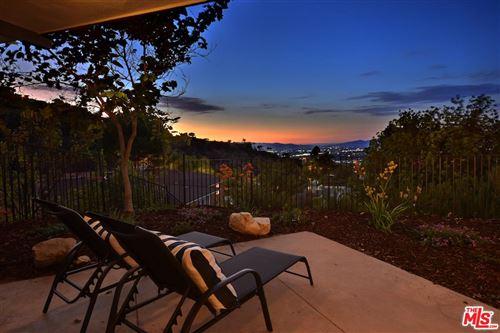 Photo of 3527 STONEHILL Place, Sherman Oaks, CA 91423 (MLS # 20565044)
