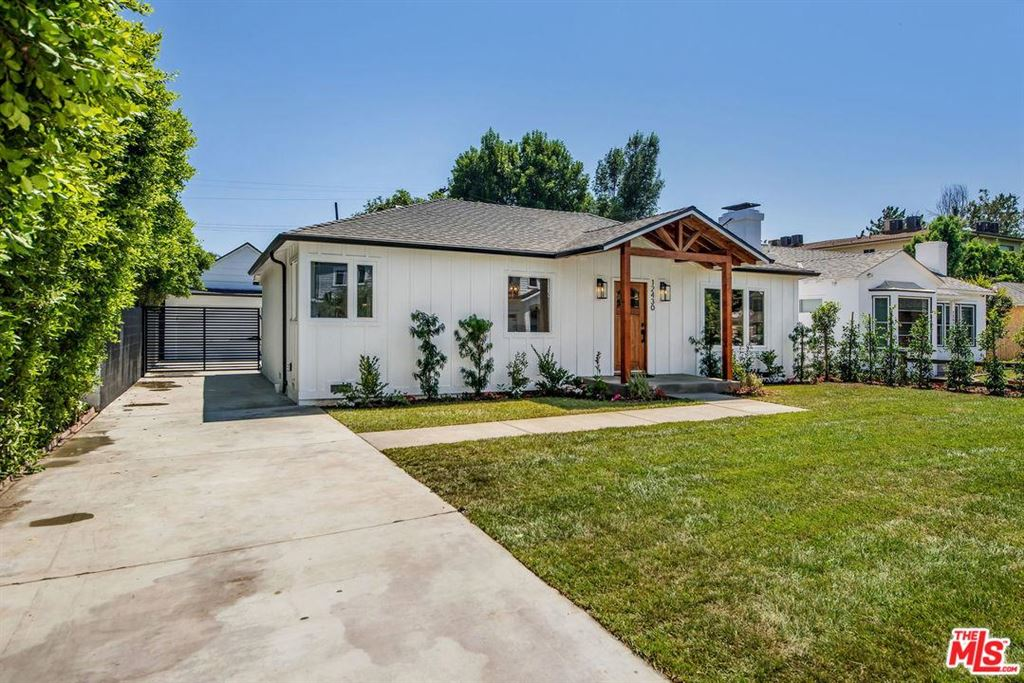 Photo for 12430 LANDALE Street, Studio City, CA 91604 (MLS # 19494050)