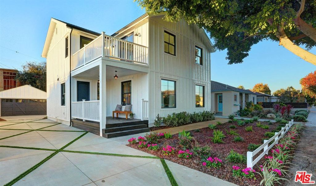 Photo for 1041 LAKE Street, Venice, CA 90291 (MLS # 18299056)
