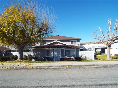 Photo of 28019 ROBIN Avenue #185, Saugus, CA 91350 (MLS # SR20011058)