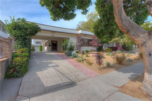 Photo of 1725 North BERENDO Street, Los Angeles , CA 90027 (MLS # SR19272059)
