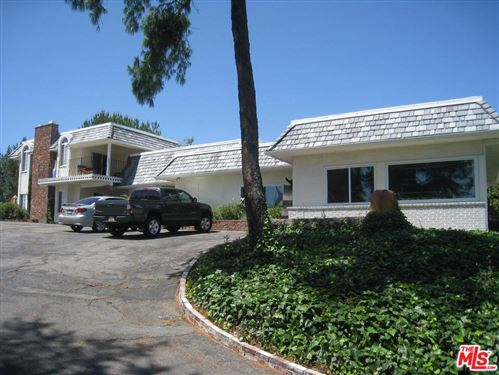 Photo of 5902 PENFIELD Avenue, Woodland Hills, CA 91367 (MLS # 19538060)