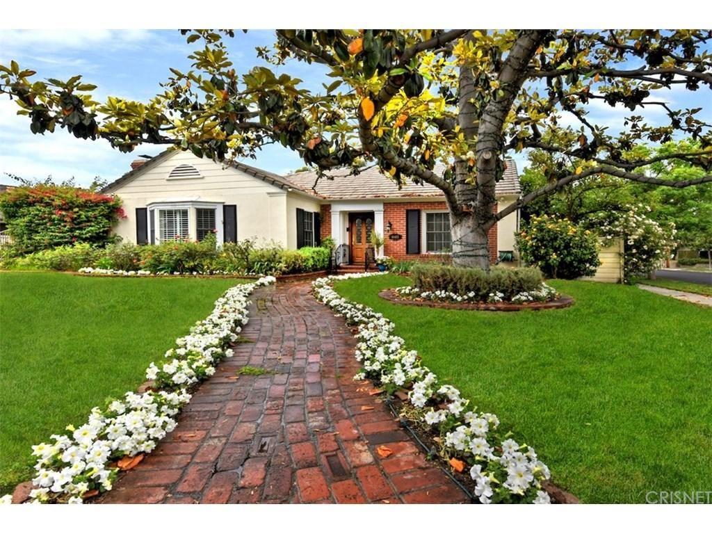 Photo for 10403 VALLEY SPRING Lane, Toluca Lake, CA 91602 (MLS # SR18213065)