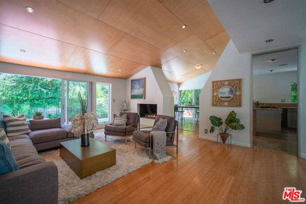 Photo for 2743 ELLISON Drive, Beverly Hills, CA 90210 (MLS # 19481070)