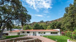Photo of 2922 OAKENDALE Place, Glendale, CA 91214 (MLS # 318003071)