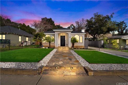 Photo of 1816 EL SERENO Avenue, Pasadena, CA 91103 (MLS # SR20015073)