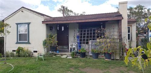 Photo of 1419 East HARVARD Boulevard, Santa Paula, CA 93060 (MLS # 220003075)