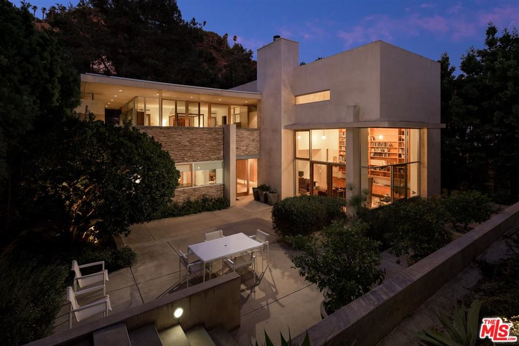 Photo for 2423 BENEDICT CANYON Drive, Beverly Hills, CA 90210 (MLS # 19509086)