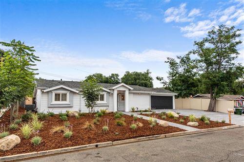 Photo of 1061 CALLE TULIPAN, Thousand Oaks, CA 91360 (MLS # 220003088)